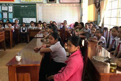 Tuyên truyền phòng chống bạo lực học đường và xâm hại tình dục.